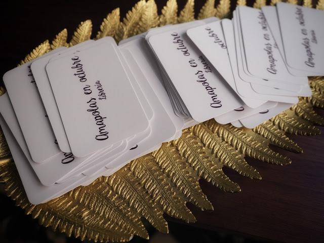 Detalle de las tarjetas de visita de Amapolas en octubre