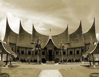 Keunikan Rumah Adat Tradisional Minangkabau  Tempat Wisata Keunikan Rumah Adat Tradisional Minangkabau ( Rumah Gadang ) Sumatera Barat
