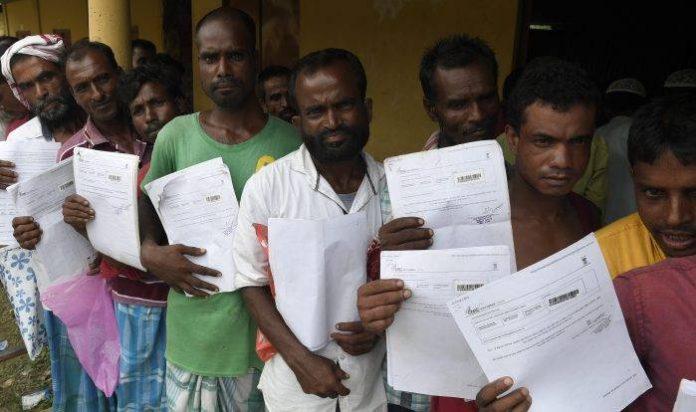 Η Ινδία καλεί εκατομμύρια ανθρώπους να αποδείξουν.. ότι δεν είναι παράνομοι μετανάστες