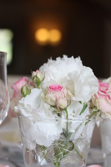 Tischblumen, Hochzeit in Pastell, zauberhaft heiraten mit zarten Farben, Riessersee Hotel Garmisch-Partenkirchen, Hochzeitslocation am See in den Bergen, Maihochzeit 2017
