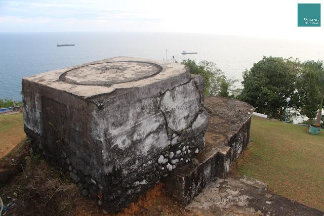 Lubang Jepang Padang