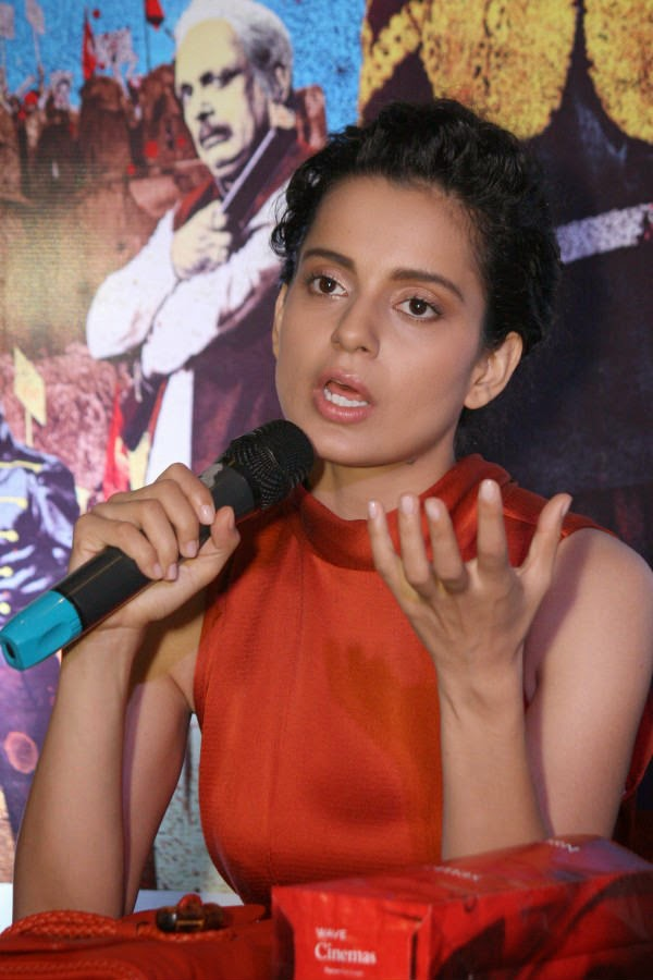 Kangana at press conference in noida