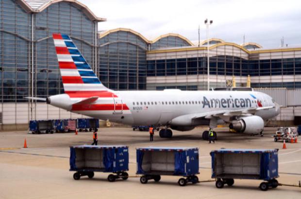American Airlines sube los precios de las maletas