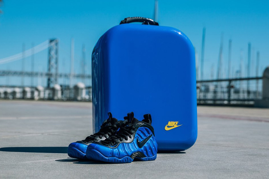 newest 078bd b6c13 Nike presents the SNKRS Box for Golden Air, celebrating the USA Basketball  sendoff and iconic moments on the court. Inspired by the Foamposite s  futuristic ...
