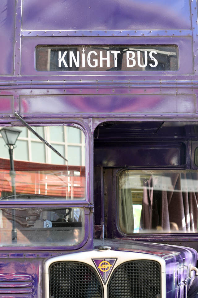 purple harry potter bus