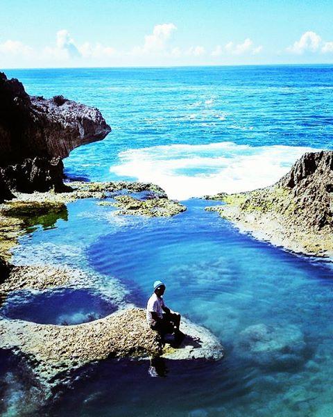 foto pemandangan kolam alami di tulungagung
