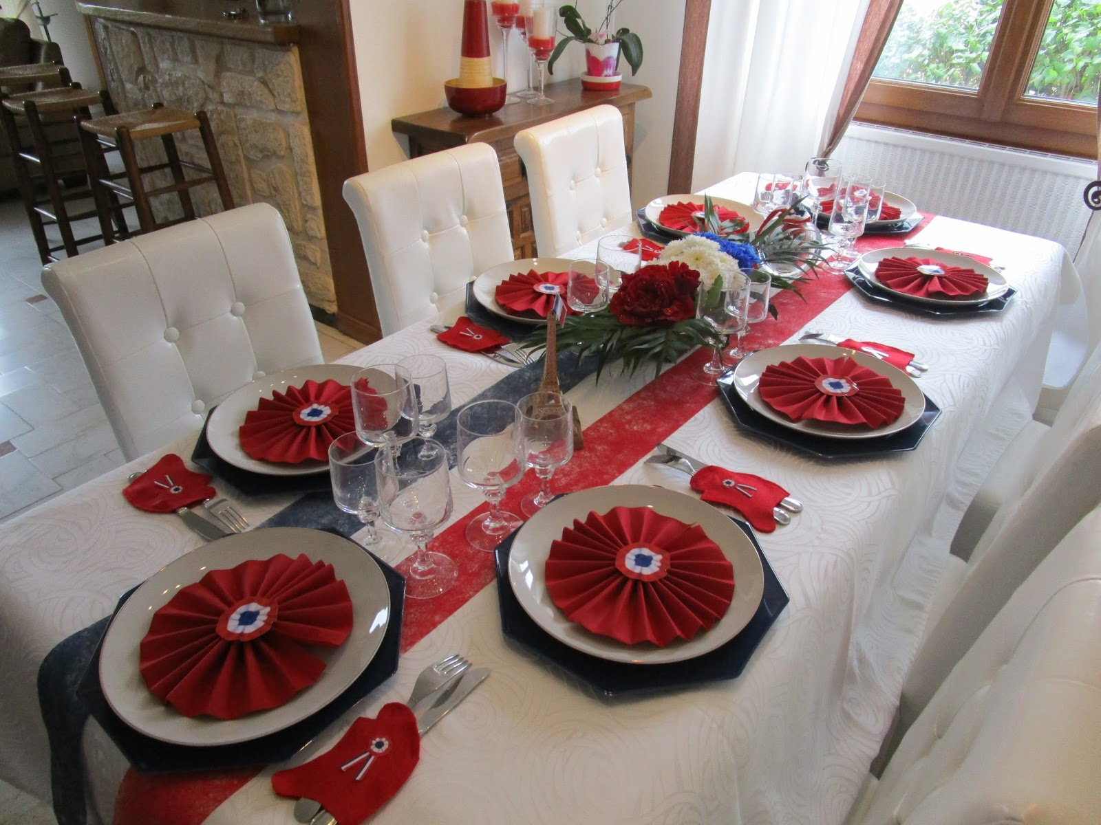 un petit tour de mes d co de tables la fran aise hispaniques et italiennes d co de. Black Bedroom Furniture Sets. Home Design Ideas
