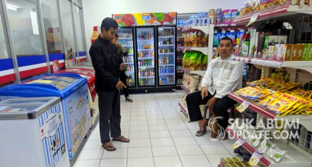 212 Mart di Sukabumi Dirampok, Dikencingi, dan Diberaki Para Perampok