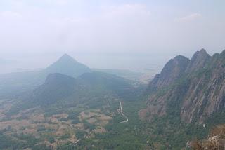 Jalur Pendakian Gunung Bongkok