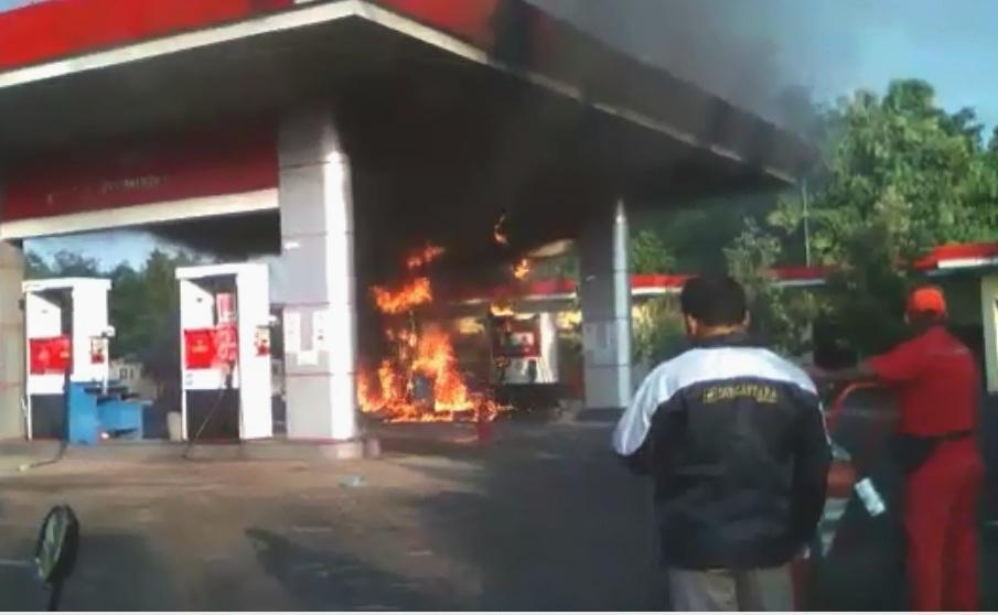 Ini Video Detik-Detik Kebakaran SPBU di Nganjuk, Sempat ...
