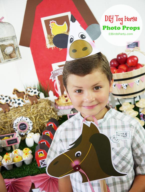 DIY Toy Horse Barnyard Birthday Photo Booth Props - BirdsParty.com