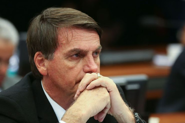Bolsonaro lidera pesquisa eleitoral em todos os cenários; Ciro cresce e fica em 2º lugar