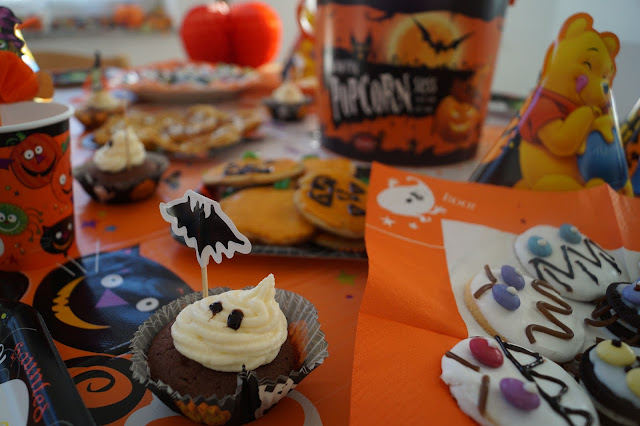 hallowenn party mit lecker essen