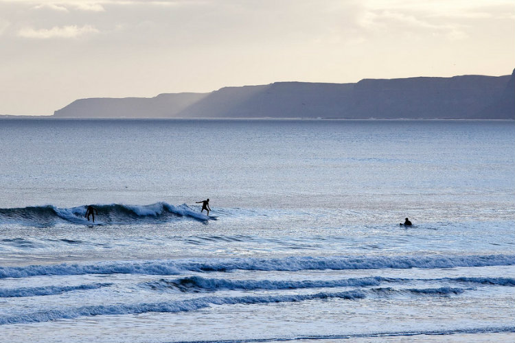 Scarborough, Surfing in January - Some rights reserved by alh1