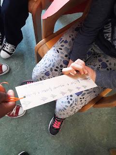 Marcador a ser oferecido por um aluno a outro