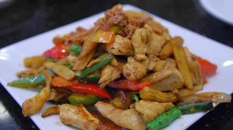 Thai Style Fried Chicken with Baby Corn and Bell Peppers