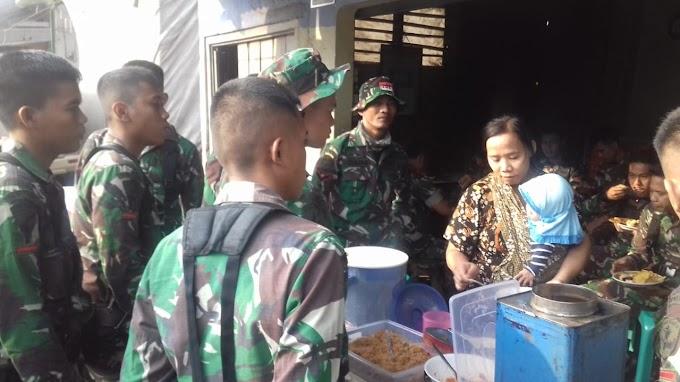 Berkah Pedagang Nasi Uduk di Acara Pembukaan TMMD ke-103