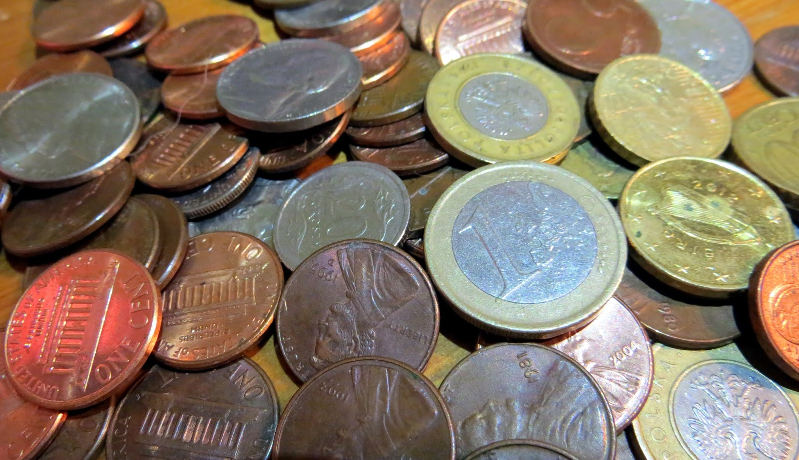 coins, how to save for travelling, how to save for traveling, backpacking, travel, vacation, gap year, sabbatical, quit job and travel, money worries, budgeting, loans, debt,