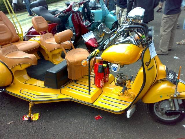 Motor Vespa Modifikasi