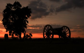Wallpaper: Sunset Picketts Charge Gettysburg cannon