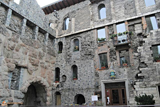 Aosta, cosa vedere, porta pretoria aosta, aosta in un giorno, itinerario ad aosta
