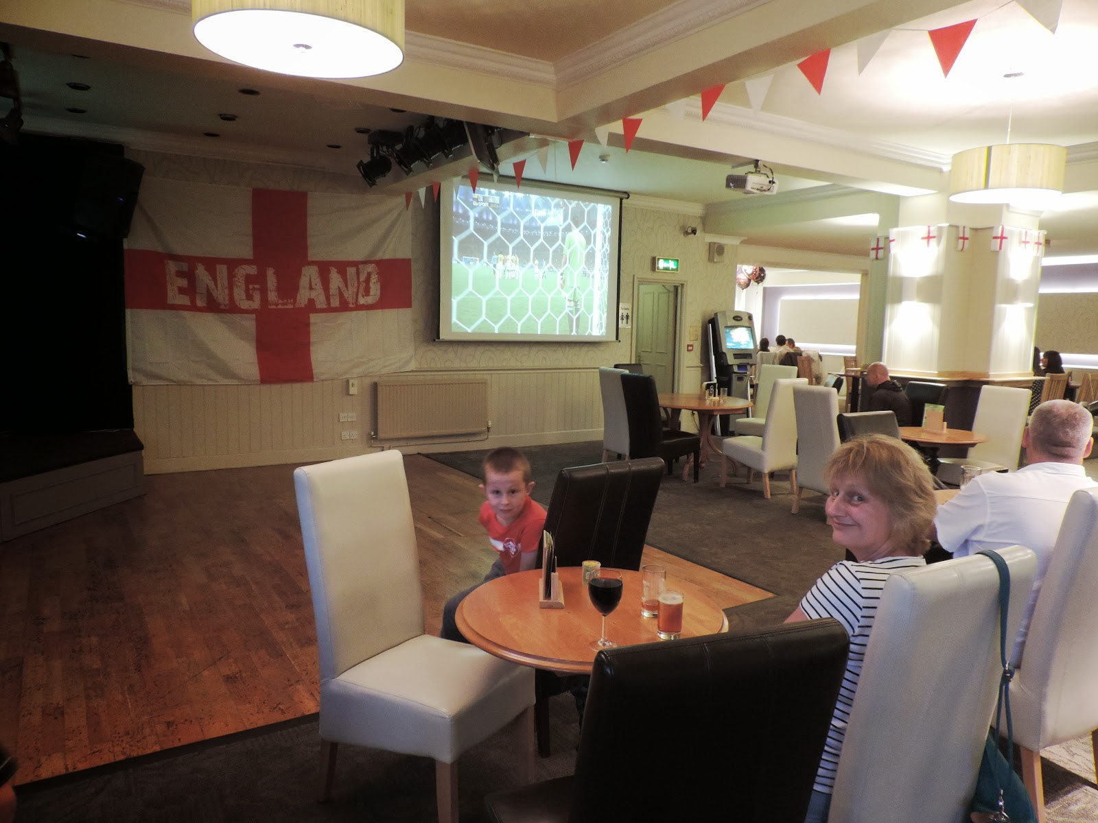 watching world cup in pub in torquay toorak carlton apartments