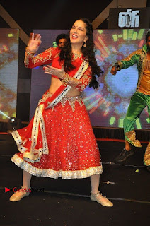 Bollywood Actress Model Sunny Leone Dance Performance in Red Half Saree at Rogue Audio Launch 13 March 2017  0030.jpg