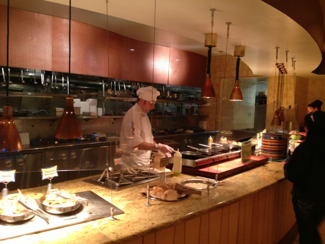 Review Of Brunch At Goofy39 S Kitchen In Disneyland Tips