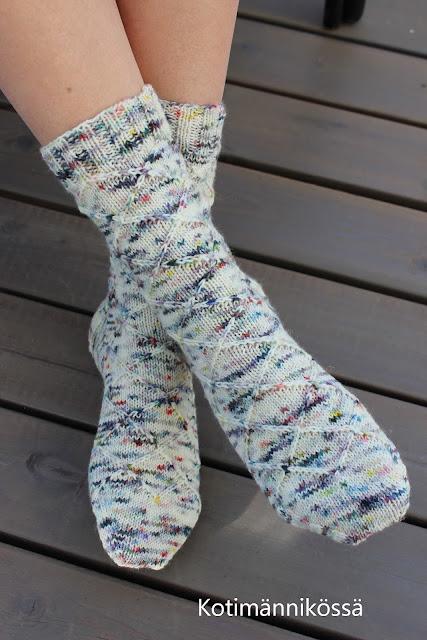 Bissness casual socks helpot palmikkosukat ohje