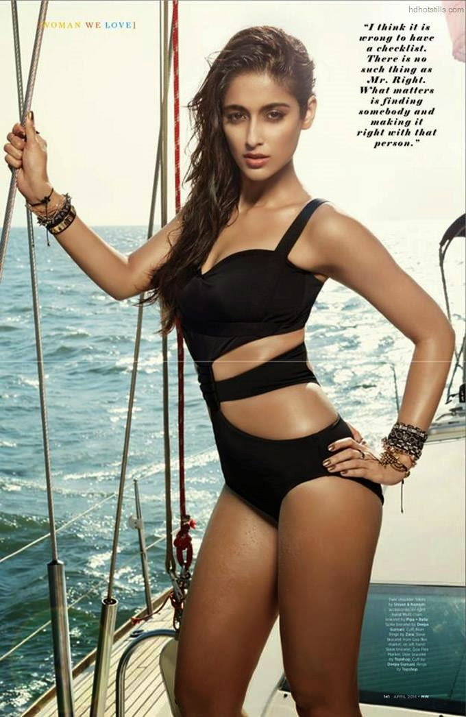 Ileana D Cruz Mans World Cover photo