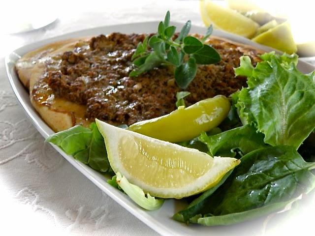 Lahmacun - Türkische Hackfleischpizza - so was von köstlich!