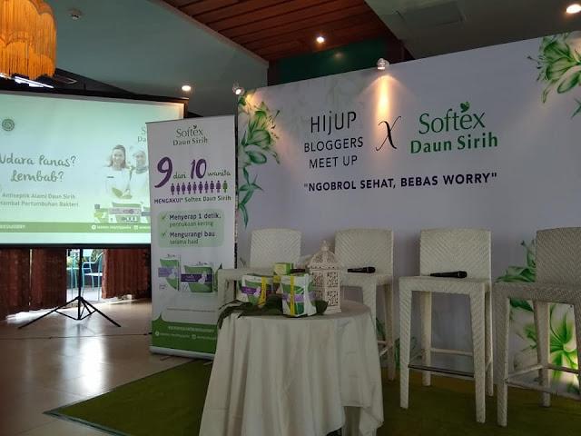 Ngobrol Sehat Bebas Worry Bersama HIJUP X SOFTEX Daun Sirih di Sante Coffee & Grill Mercure Hotel Banjarmasin
