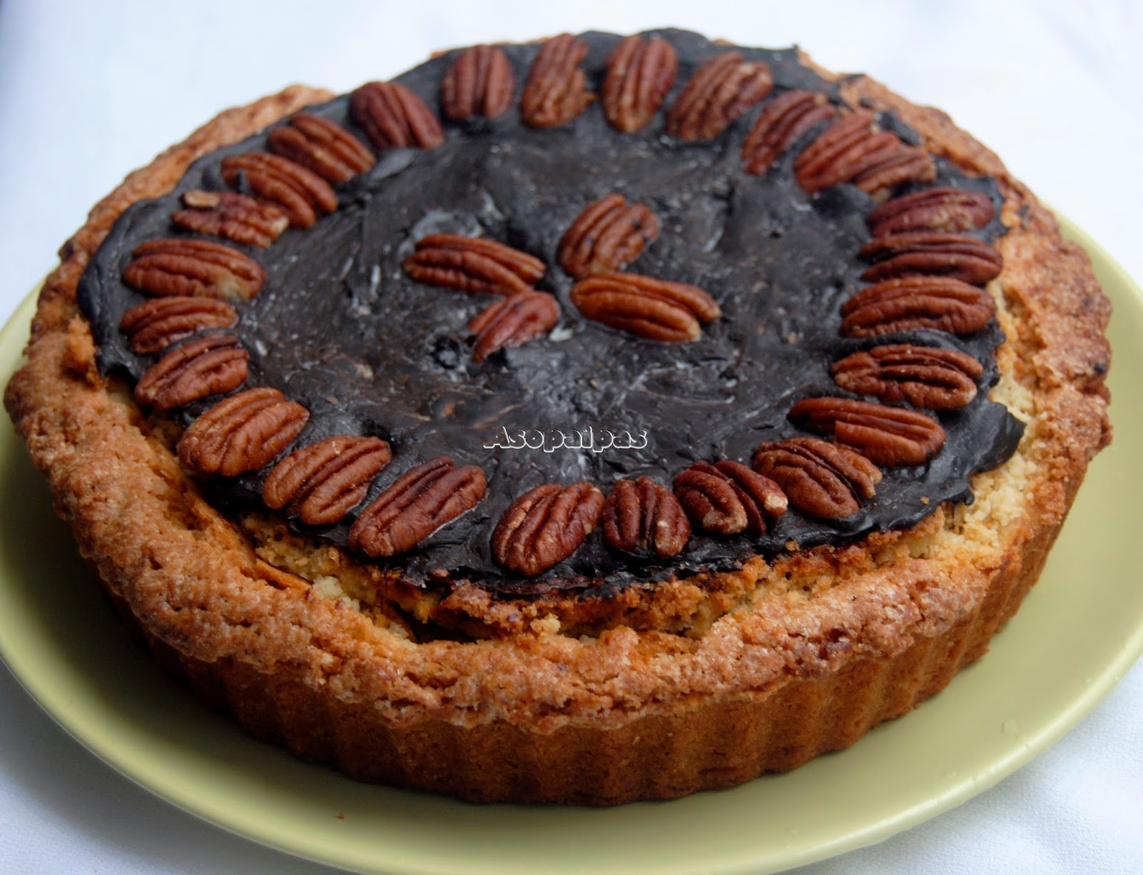 Bourbon Pecan Pie con Ganache de Chocolate