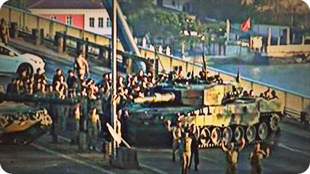 Militer Pengkudeta Menyerah ditangan Warga dan Polisi Turki
