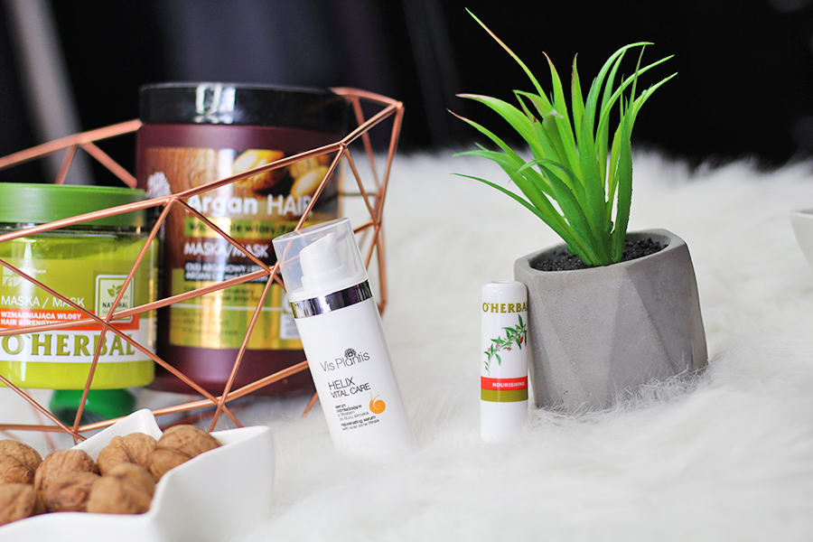 Odżywcza pomadka do ust O'Herbal & Serum odmładzające Vis Plantis