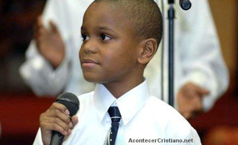 Niño pastor Ezekiel Stoddard