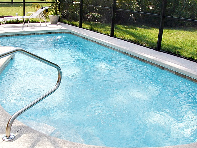 Benefits of installing glass pool fencing