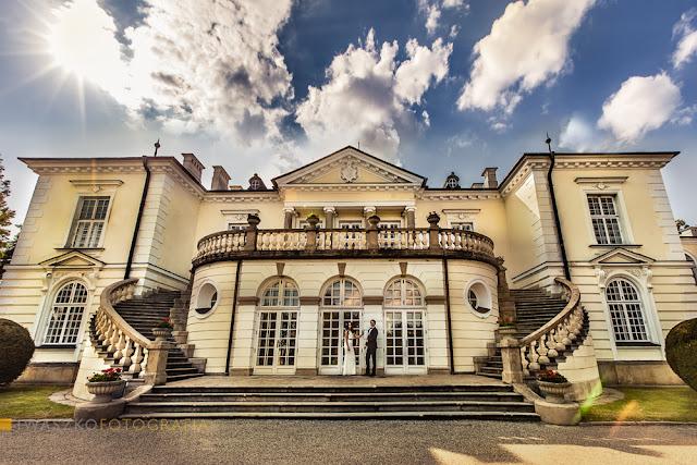Iwaszko Fotografia Sesja plenerowa w Pałacu w Balicach, Pałac Radziwiłłów w Balicach, plener ślubny w Balicach, Ania i Piotr Iwaszko