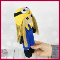 Muñeca en disfraz de Minion