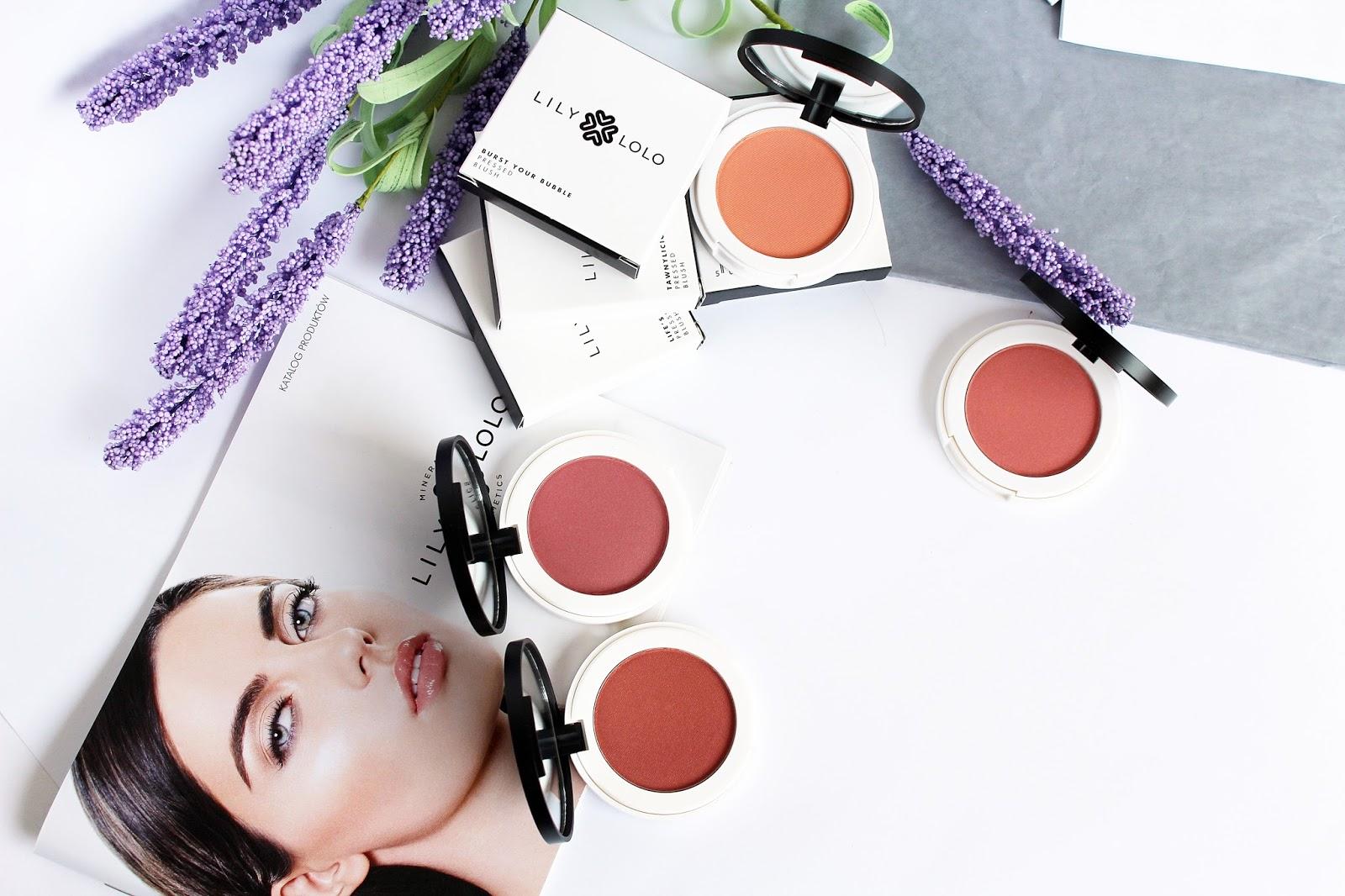 Lily Lolo, Naturalny Prasowany Róż do Policzków w odcieniach Coming Up Roses, Life's a Peach, Burst Your Bubble oraz Tawnylicious
