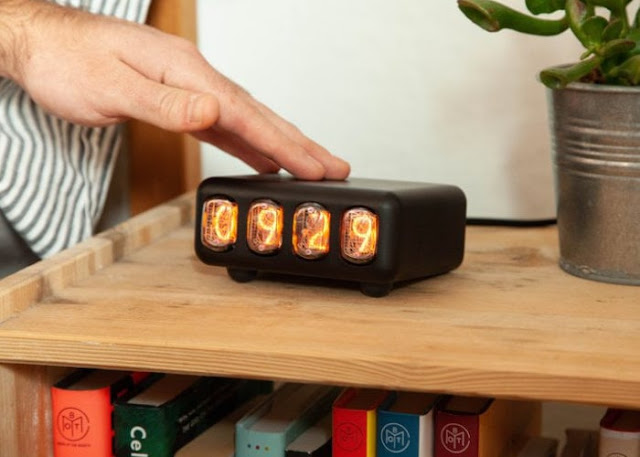 Nixie Tap minimalist wireless Nixie tube clock