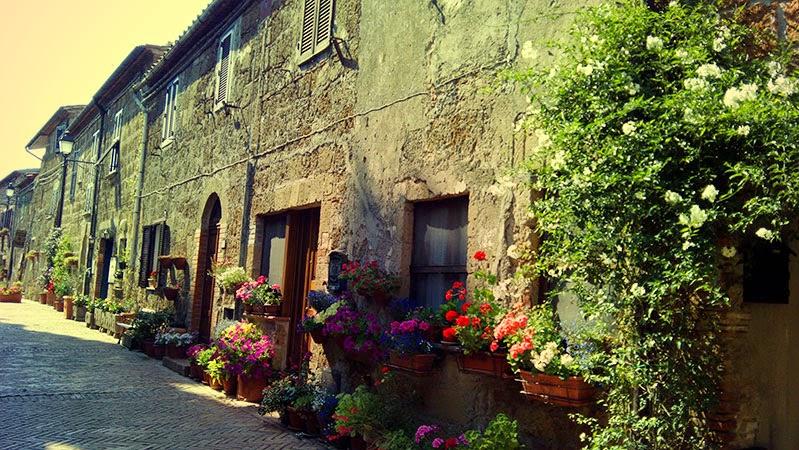sovana toscana rua - Sovana: Cidadezinha da Toscana
