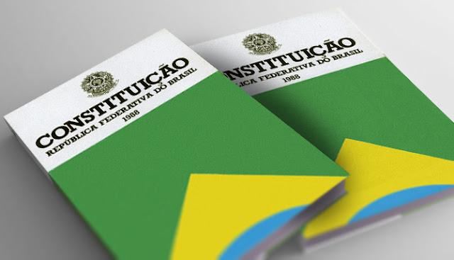 Constituição é redescoberta por Bolsonaro e Haddad