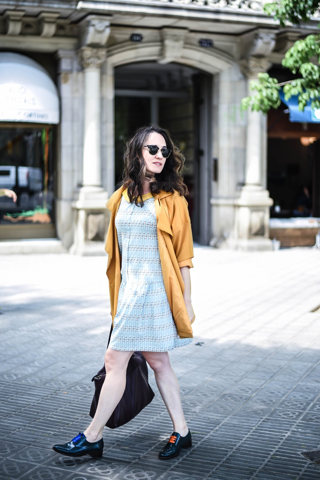mustard_summer_look_trench_dress