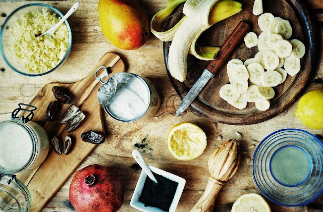 http://zielonekoktajle.blogspot.com//2015/05/kasza-jaglana-spirulina-mango-banan.html