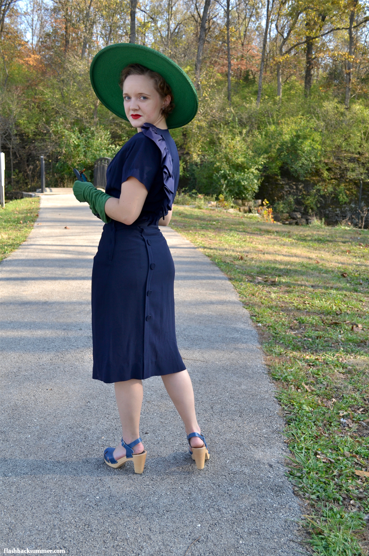 Flashback Summer: 1940s vintage blue ruffle dress