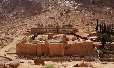 Εντυπωσιακή ανακάλυψη στην Μονή Σινά: Άγνωστη ιατρική συνταγή του Ιπποκράτη κρυμμένη σε αρχαία χειρόγραφα