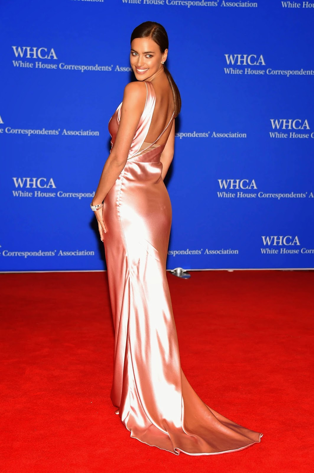 Irina Shayk in a slinky figure hugging dress at the 2015 White House Correspondents' Association Dinner