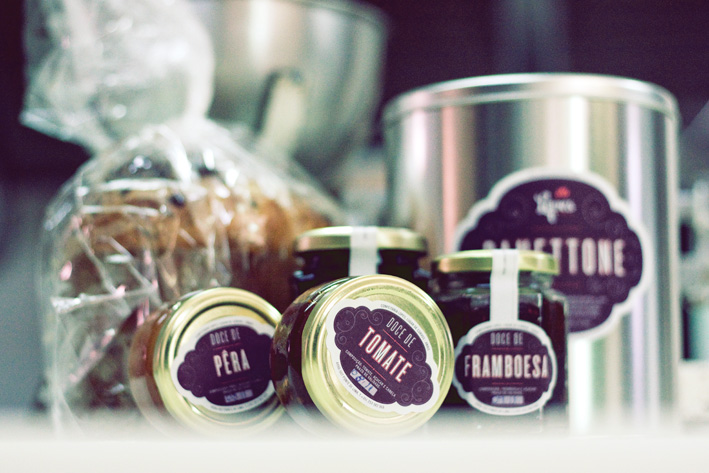 Confeitaria Lopes packaging by Gen Design Studio jar of jam label tin can panettone