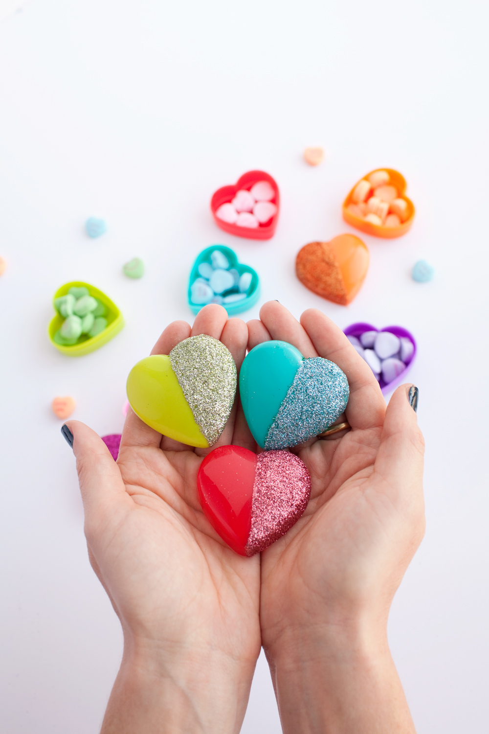 TELL: DIY GLITTER HEART CANDY BOXES